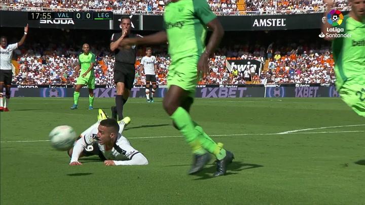 Gol de Parejo (p.) (1-0) en el Valencia 1-1 Leganés