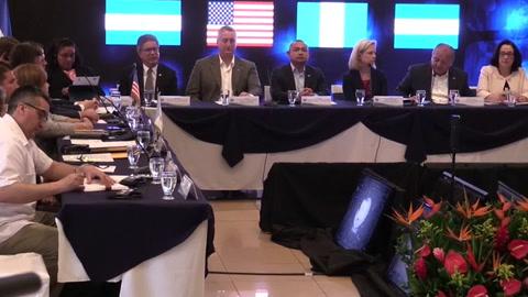 EE.UU. pide detener las caravanas de centroamericanos que generan