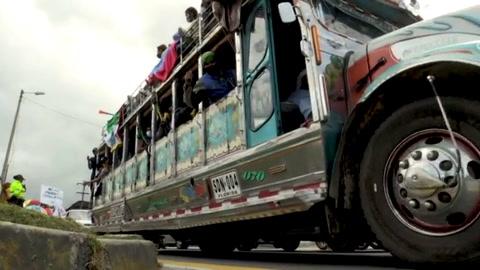 Miles de indígenas colombianos llegan a Bogotá para presionar a Duque