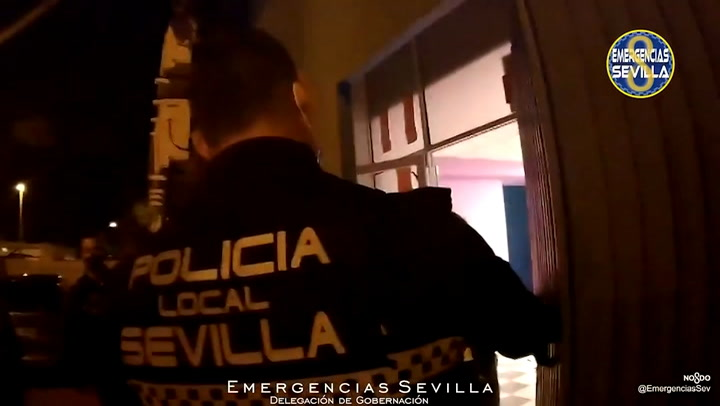 Precintado un karaoke en Sevilla con 81 personas en su interior