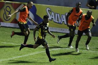 ¡Mario Martínez extiende la goleada de Real España sobre Platense en el Morazán!