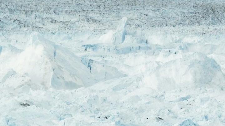 Den største isbre-delingen som noen gang er fanget på film