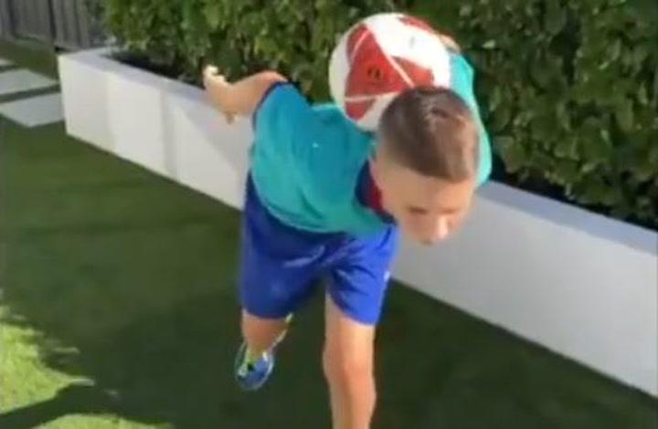 El más difícil todavía de Riley, el 'freestyler' viral de la Barça Academy
