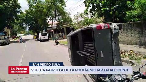 Vuelca patrulla de la Policía Militar en accidente en la 7 calle, 10 avenida de Barrio Guamilito de San Pedro Sula