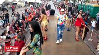 Más de 500 mil personas participaron en el carnaval de Tegucigalpa