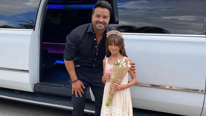 Como si fueran a los Oscar: la velada de gala de Luis Fonsi y su hija con limusina incluida