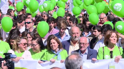 Miles de personas marchan en Madrid contra el aborto