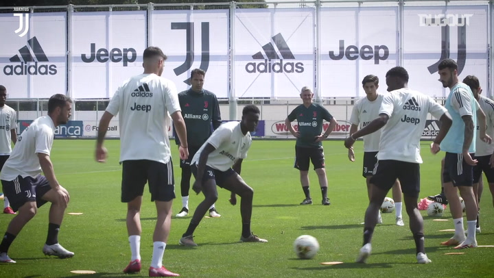Juventus turn on the style in training ahead of the derby