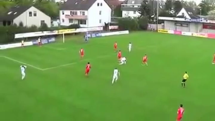 Bekijk de mooie goal: