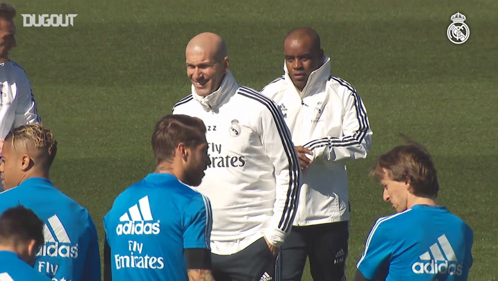 Zidane Leads His First Training Session