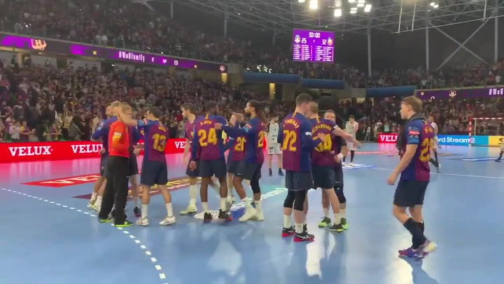 El Barça de balonmano celebra la apabullante victoria en Nantes que le da ventaja en la eliminatoria de cuartos de la Champions