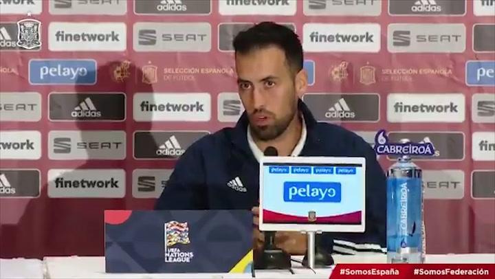 Sergio Busquets compareció ante los medios en la previa del duelo ante Ucrania