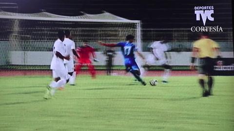 Riviere pone e ganar con gol tempranero a Martinica sobre la H
