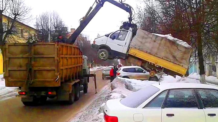 Ikke parker feil i Russland – da kommer «tauebilen fra helvete»