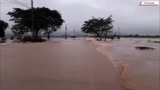 Inundada carretera que conduce de San Pedro Sula a El Progreso, Yoro