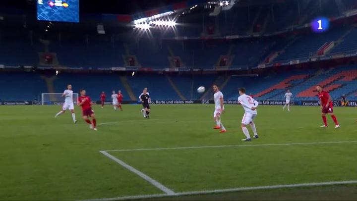 Freuler adelanta en el marcador a Suiza con un golazo