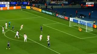 ¡A la gradería! Mientras Messi marca a lo Panenka, Mbappé tiene mala fortuna y envía penal a la gradería