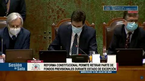 Diputados aprueban reforma en Chile para retiro de fondos de pensiones tras protestas