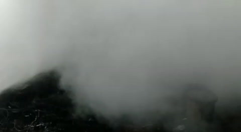 Incendio consume bodegas de Hondutel en la aldea Las Tapias