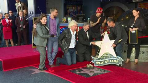Branson devela estrella en Hollywood, presiona sobre Khashoggi