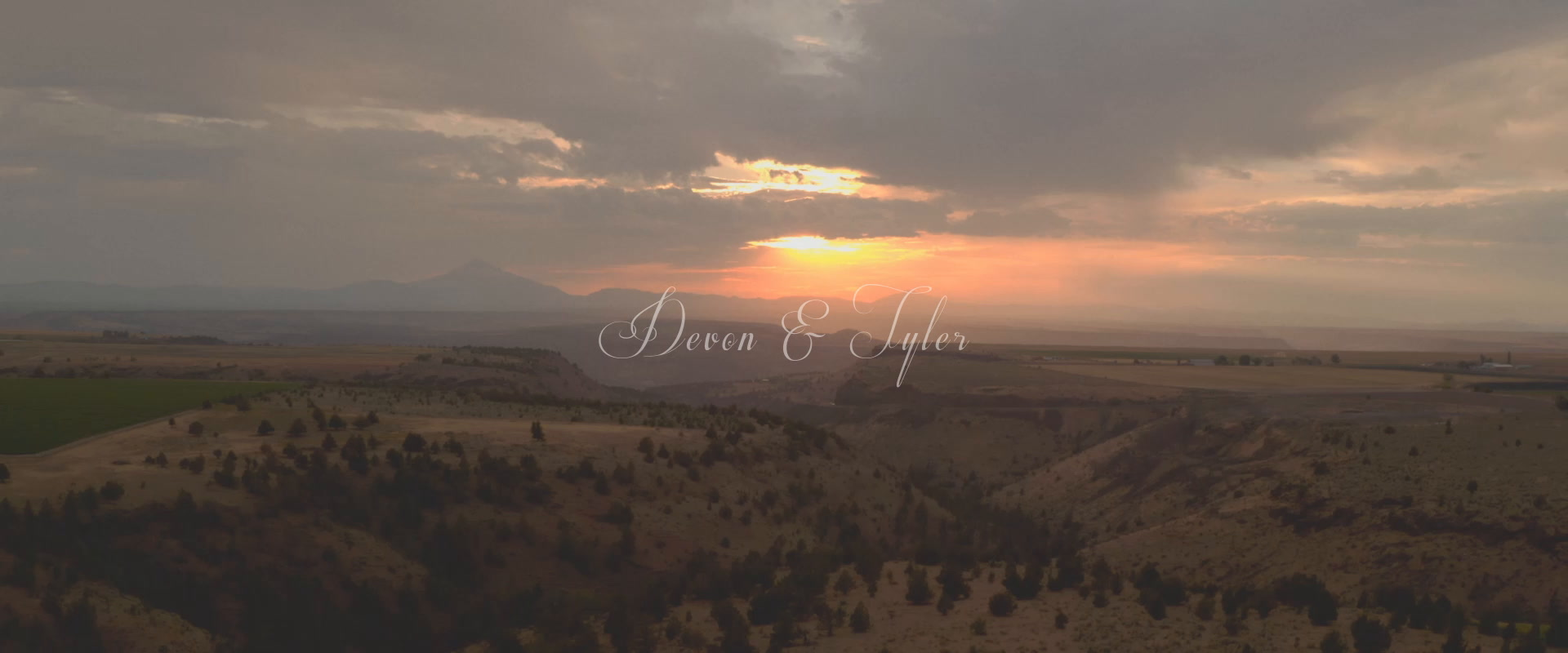 devon + tyler | Bend, Oregon | A country House