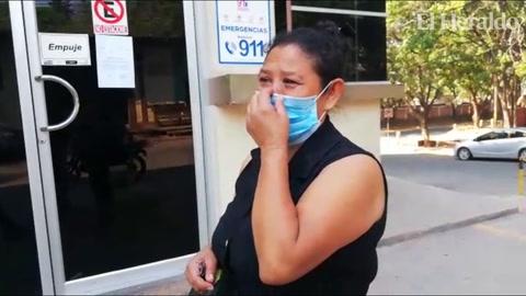 Desgarrador llanto de una madre en las afueras de la morgue capitalina