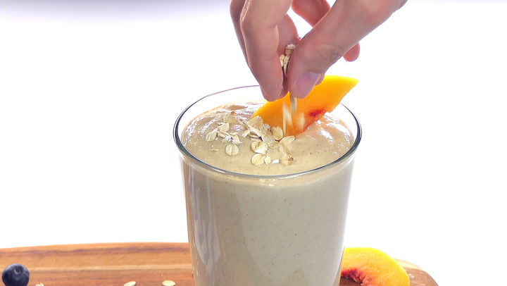Healthy Oatmeal Smoothie ~ Blueberry Muffin & Peach Cobbler Flavors