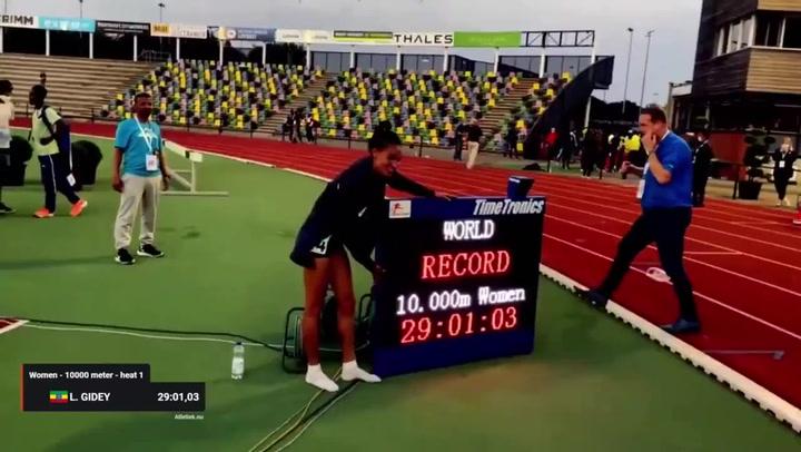Gidey bate el récord del mundo de 10.000 metros dos días después que Hassan