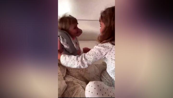 La madre de las niñas de Tenerife desaparecidas sube otro vídeo de Anna y Olivia
