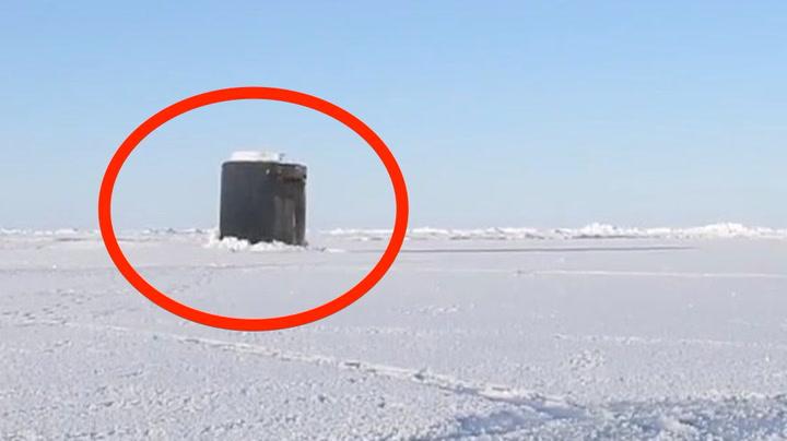 Plutselig dukker ubåten opp i Arktis