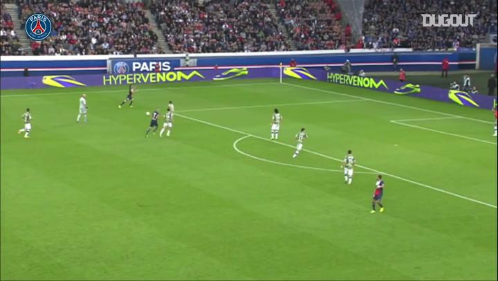 Edinson Cavani'nin PSG'de Attığı En Güzel Beş Gol