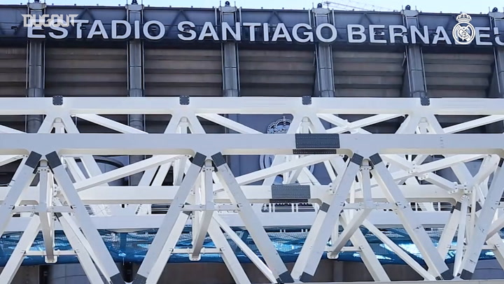 The first roof mega-truss is hoisted into the Santiago Bernabéu