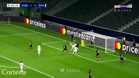 Real Madrid logra un agónico empate a dos goles frente al Mönchengladbach