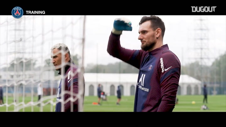Focus on Paris Saint-Germain's goalkeepers training session
