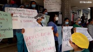 Personal salud realizan plantón en Hospital Escuela Universitario