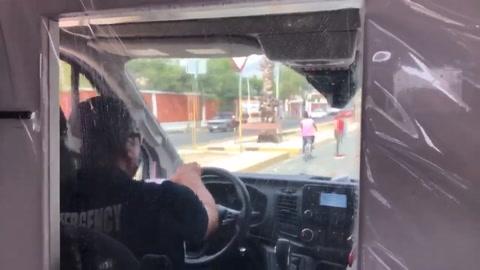Más allá de la pandemia, el estresante oficio de paramédicos mexicanos
