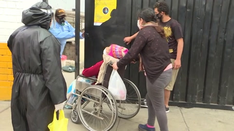 Perú afronta escasez de oxígeno para pacientes de coronavirus