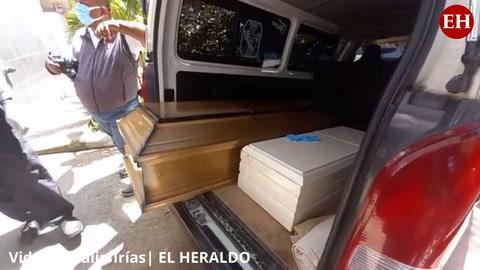 Familiares retiran restos de los niños asesinados en Comayagua