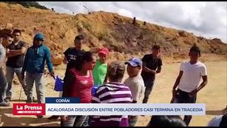 Acalorada discusión entre pobladores por mina casi termina en tragedia
