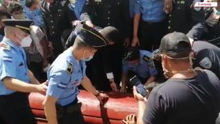 Compañeros de inspector Vallecillo rompen en llanto en su sepelio