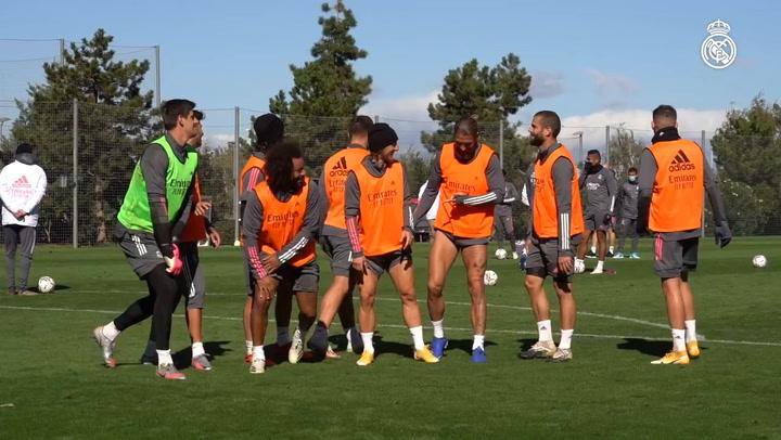 Entrenamiento previo del Real Madrid al partido ante el Levante