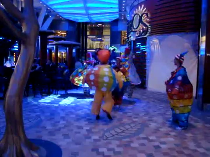 Oasis Of The Seas Royal Promenade Parade