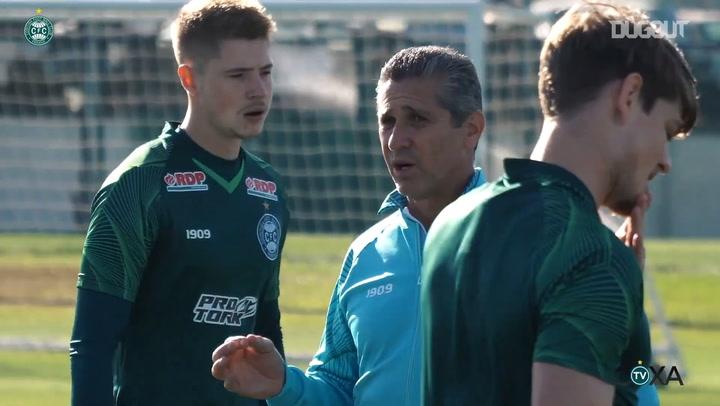 Jorginho's first training session with Coritiba