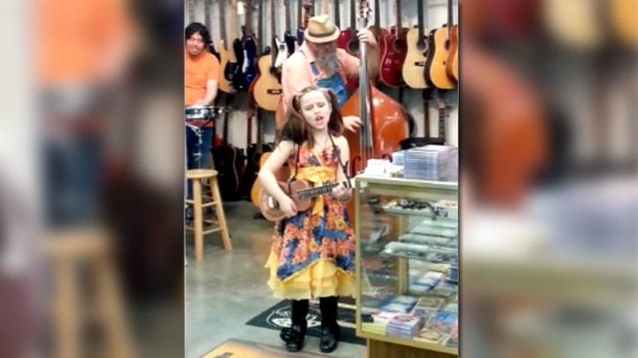 Emilie (9) kan synge fletta av de fleste