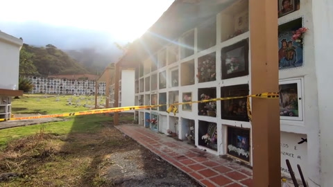 Investigan fosa con posibles 50 civiles ejecutados por militares en Colombia