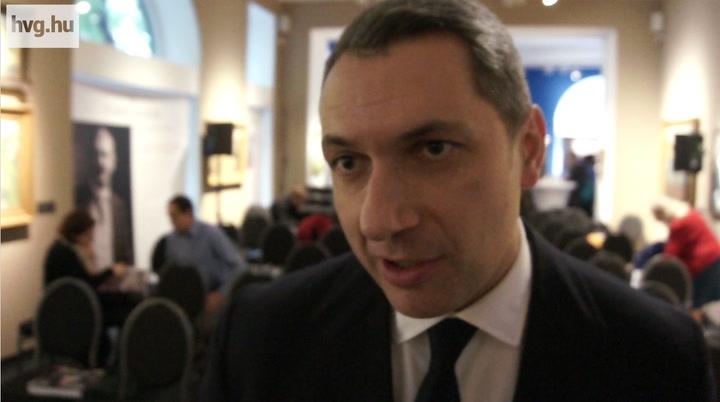 Lázár a Jobbik miatt iszogatott Orbán vejével