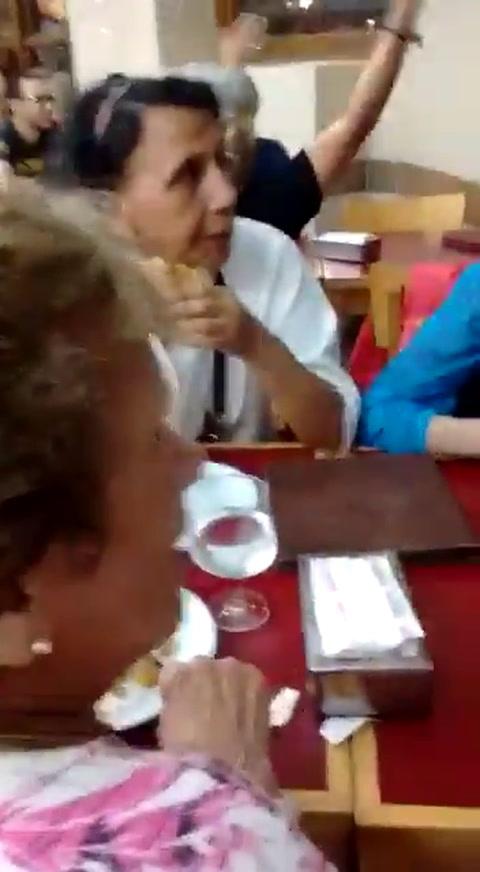 Polémica por un escrache de Aníbal Fernández a cuatro mujeres macristas
