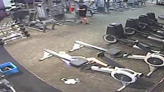 Una joven sufre un paro cardíaco mientras hacía ejercicios en el gimnasio