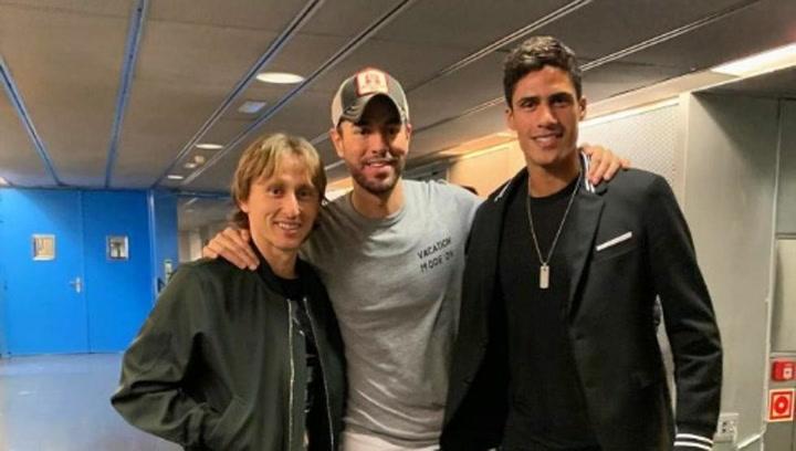 Varane y Modric, en el concierto de Enrique Iglesias
