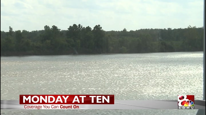 KOMU 8 News: Barges on the Missouri
